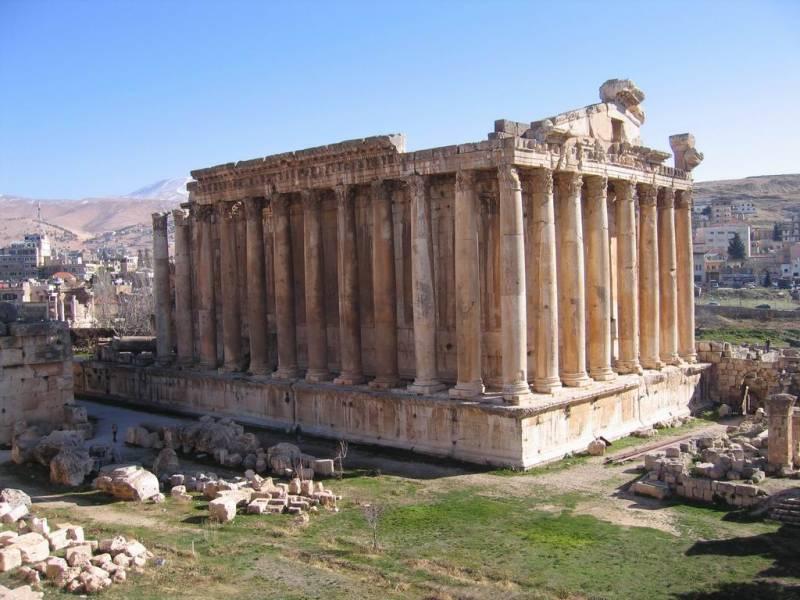 Кем построен храм Юпитера в Баальбеке
